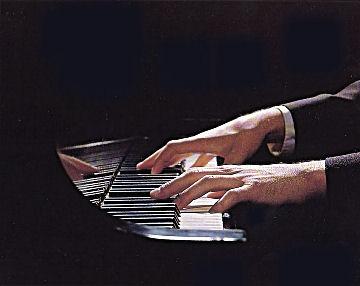 Resultado de imagen para manos de pianista